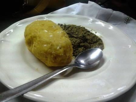 Ndengue et boule de plantain-mais
