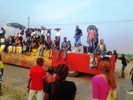 Caravane de la Course dans la ville de Buea