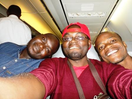 Selfie de Dania, Ulrich et William dans l'avion