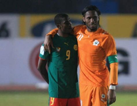 Eto'o et Drogba, tristes capitaines.