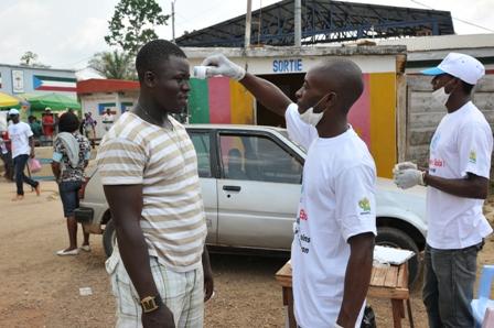 Test d'Ebola frontière de Kye Ossi