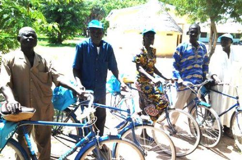 Article : Je suis agent de santé et ma bicyclette sauve des vies.