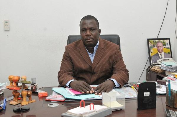 M Zouksia, Proviseur du Lycée Bilingue de Mokolo.