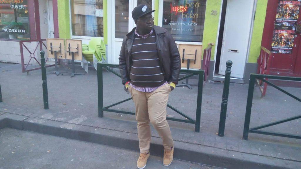 """Devant le restaurant """"Mboa Mboka"""" de Bruxelles"""